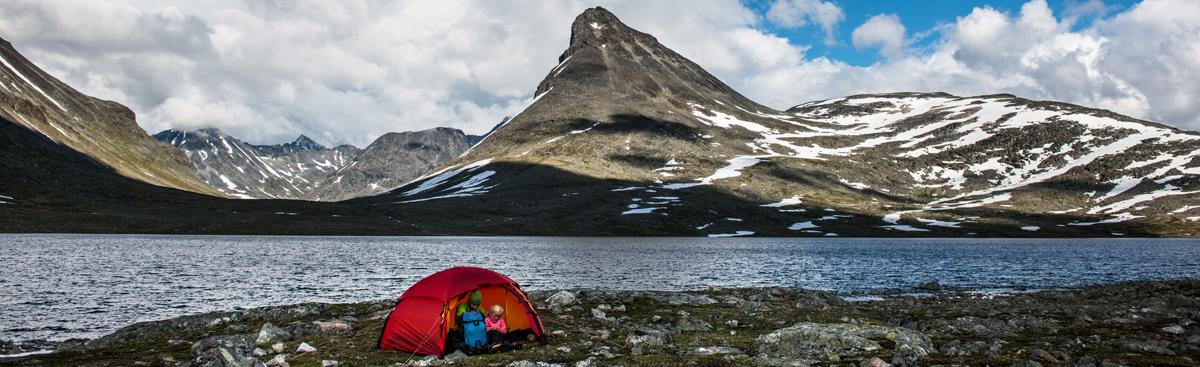 Zelten mit Schlafsack in Norwegen